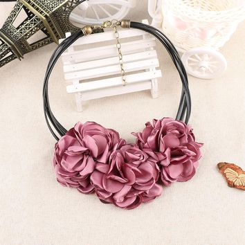 1PC New Cute Fashion Bohemian Fabric Rose Flower Choker Necklace Women Statement Necklace Vintage Nice Gift