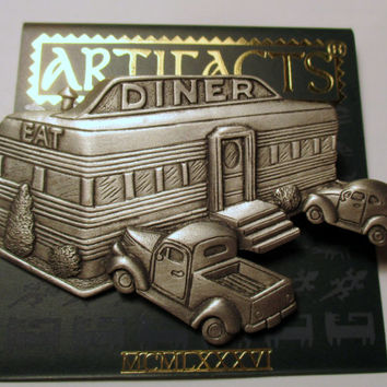 JJ Vintage Pin Diner Art Deco style- Jonette Jewelry brooch accessory- Unique Gift under 20- Artifacts collectible