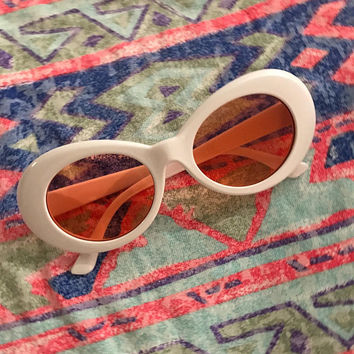 Vintage Retro 90s Mod Round Shape White With Red Lens Sunglasses Lenses Kurt Cobain Style