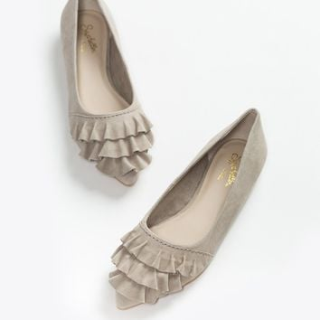 Seychelles Downstage Taupe Flats