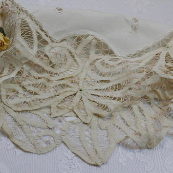 Antique Battenburg / Tape Lace Tablecloth, Small Round Tablecloth, Hand Made Battenburg Lace, Shabby Chic Decor, Antique Linens