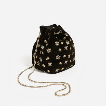 EMBROIDERED BEES BUCKET BAG DETAILS