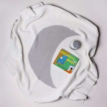 Organic Cotton Baby Gift Set - Moon Baby Rattle, Good Night Book & Blanket