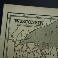 160 year old map of Wisconsin - original 1854 antique b/w print about the state of Wisconsin 14x23cm/6x9''
