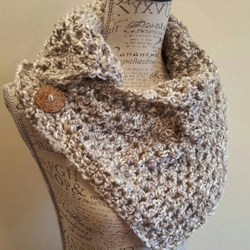 Crochet Scarf. Gray Infinity Scarf. Infinity Cowl. Cowl. Scarf. Chunky. Katniss inspired cowl. Wood button cowl. Button scarf.