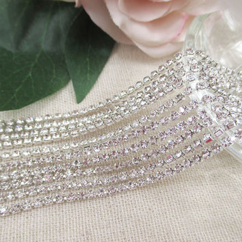 Diamond size:2.5mm Crystal Sew Metal Claw Sewing Rhinestone Cup Chains Claw ChainsTrimming for DIY Garment Accessories 1Y51002