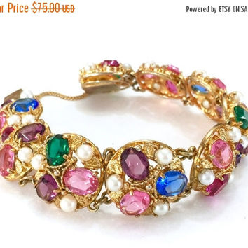 Multi Color Rhinestone and Faux Pearl Bracelet, Three Large Oval Rhinestones Three Faux Pearls Accent Eight Round Links, Textured Gold Tone