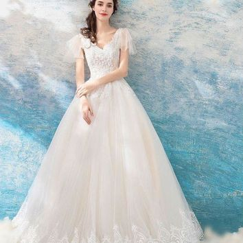 Ball Gown Wedding Dresses Lace Sequined Pearl vintage V-neck Short Sleeves