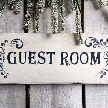 Room Sign. Guest Room. Rustic Sign. Wood Sign. Handpainted Sign. Door Sign.