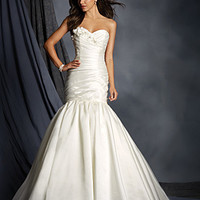 Alfred Angelo 2521 Strapless Fit & Flare Wedding Dress