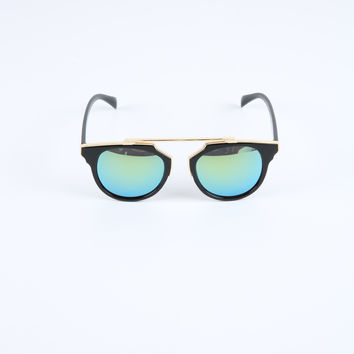 The Paradox Sunglasses in Black & Gold