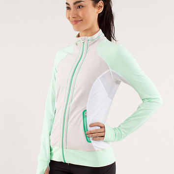 run: beach runner jacket | women's jackets & hoodies | lululemon athletica