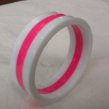 Hot Pink and White Wide Plastic Bangle Bracelet Two Tone 80's Mod Pin Up Rockabilly Retro Unique Gift Women Fashion Costume Jewelry