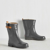 Puddle It Be? Rain Boot in Fog | Mod Retro Vintage Boots | ModCloth.com