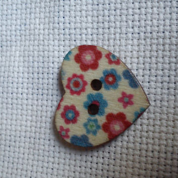 colourful blue and red flower pattern heart shape button magnetic needle minder (needle nanny, needle keeper)