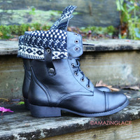 SZ 6 Winter Jam Black Fold Over Tribal Boots
