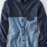 AEO Men's Pieced Chambray Button Down Shirt (Blue)