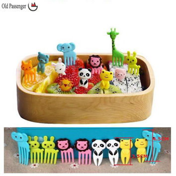 Old Passenger _ 10pcs/set Animal Farm mini cartoon fruit fork sign resin fruit toothpick bento lunch for children decorative