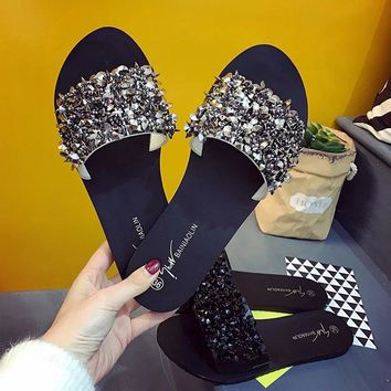 2017 Summer Shoes Woman Rivet Glitter Designer Platform Sandals Women Bling Bling Flip Flops Black/Silver Beach Slippers Size 40