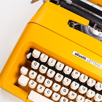 OLIVETTI LETTERA 35 - Colorado Yellow Typewriter - working typewriter - Vintage - Portable Manual typewriter - with new ribbon