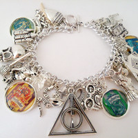 Harry Potter charm bracelet - stripe house crests