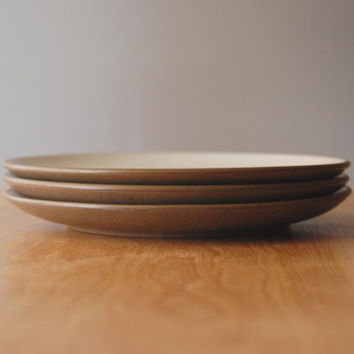 "Vintage Heath Ceramics ""Coupe"" Lunch Plates in Sandalwood"