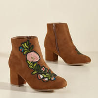 Applique Sashay Block Heel Bootie