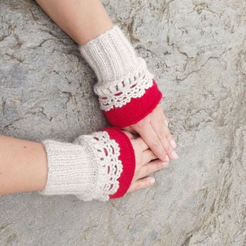 Beige Red Knit gloves, Cozy gloves, Ruffled gloves, Knitted Wrist Cuff, Ruffled Red Gloves, Knit Beige Mittens