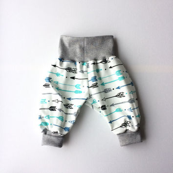 Comfy baby pants. Baggy harem pants. Jersey knit fabric with black, blue and green arrows. Infant pants. Gender neutral