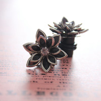 Plugs Size 4g 2g 0g 00g and Up Vintage Inspired Black Rhinestone Flower Gauges Size 4 2 0 00  Wedding Bridal Prom Wear
