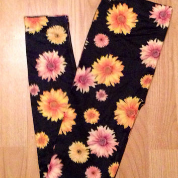 Sunflower Daisy flower child leggings pants one size small medium.