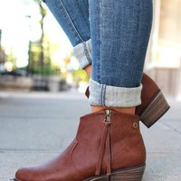 Cowgirl Chic Bootie - Cognac