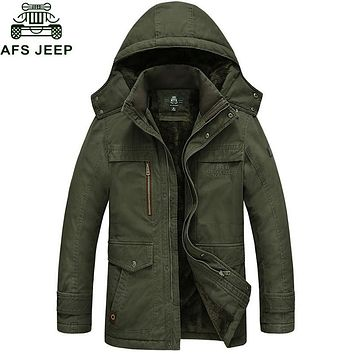 Afs Jeep 2017 Brand New Winter Coat male Parka Men Thick Warm Wool Liner Hooded Collar Plus Size M-5XL Winter Jacket Men