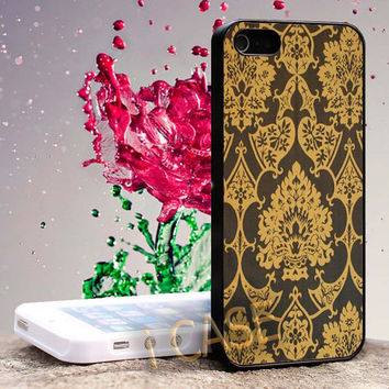 Gothic Black Gold Damask Pattern Hard cover plastic for iphone 4, iphone 5, samsung s3 i 9300, samsung s4 i 9500