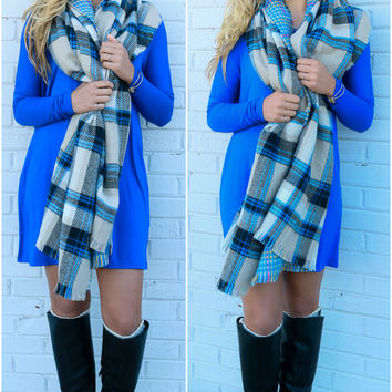Study Abroad Tan & Blue Reversible Plaid & Houndstooth Blanket Scarf