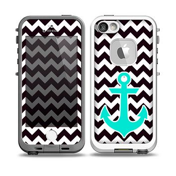 The Black & White Chevron Pattern with Teal Anchor v2 Skin for the iPhone 5-5s nÌ__Ì__d LifeProof Case