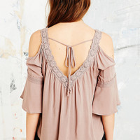 Staring at Stars Cold Shoulder Crotchet Top in Pink - Urban Outfitters