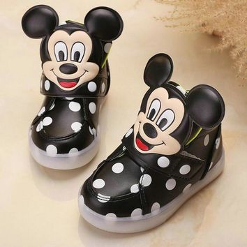 2017 New fashion LED lighting children casual shoes Mickey lovely boys girls sneakers Cartoon Elegant baby kids boots size 21~30