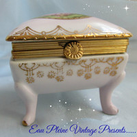Antique Porcelain Hand Painted Limoges Footed Jewelry Trinket Box Fench Country Style