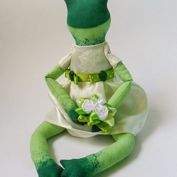 Frog Princess in wedding dress OOAK, Tilda Frog, Tilda