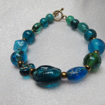 Teal and Gold Glass Bracelet, Classic Teal Jewelry, Casual Teal Bracelet, Mismatched Glass Bead Bracelet, Indian Inspired, Slender Wrist