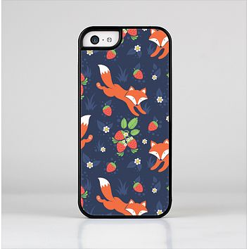 The Running Orange & Navy Vector Fox Pattern Skin-Sert for the Apple iPhone 5c Skin-Sert Case