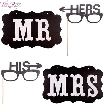 FENGRISE 2pcs Mr Mrs Photo Booth Props Wedding Signs His Hers Photobooth Props Wedding Decoration Garland Event Party Supplies
