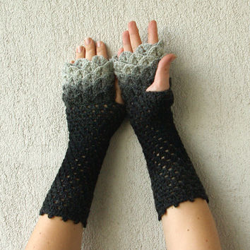 Fingerless Gloves Crocheted crocodile stitch mittens - white and black Transitional. Winter Accessories.