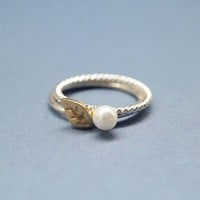 Tiny leaf and Pearl Set Of Two Rings