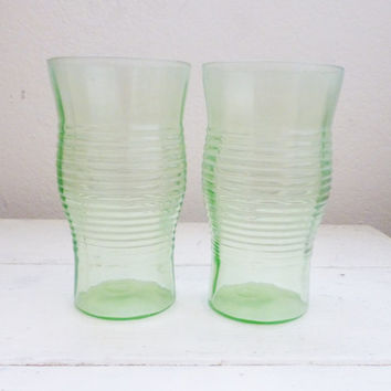 Circle glasses, green depression glass, drinkware, fine dining, wedding present, housewarming present, depression era, set of 3, glassware