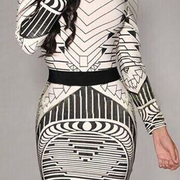 Geometric Print Long Sleeve Backless Bodycon Dress