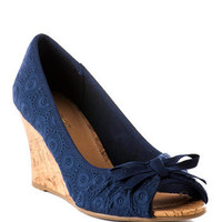 ALEXIA EYELET WEDGE IN NAVY
