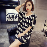 V-Neck Thin Stripe Long Loose T-Shirt