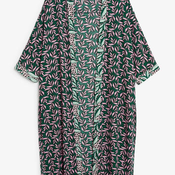 Flowy kaftan - Pattern perfection - Tops - Monki GB